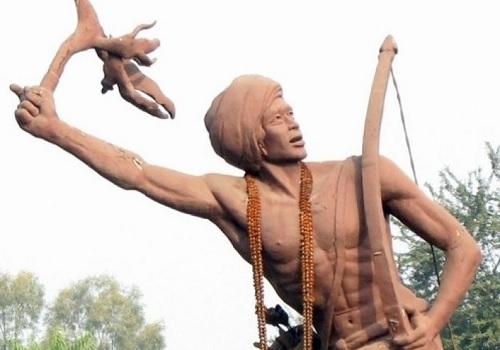 ब्रितानी व ईसाई साम्राज्यवाद के खिलाफ युद्ध के आदिवासी महानायक बिरसा मुंडा