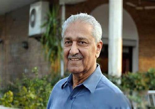 पाकिस्तान के विवादित परमाणु वैज्ञानिक एक्यू खान का निधन